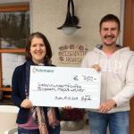 Edgar Drückes Hospizleiter empfängt Spendenscheck