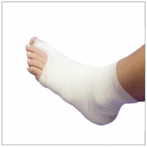 Fuß mit elastischer Mullbinde