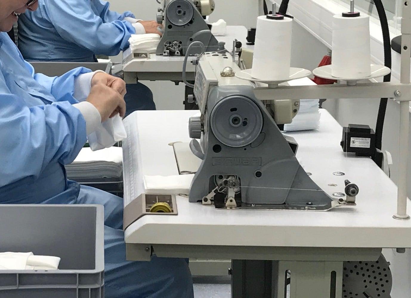Handarbeitsabteilung in neuer Produktion